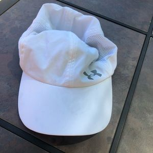 Under Armour white women's golf hat